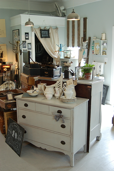 Vintage Junky Furniture & Home Decor 309 Harding Alley Spring Hill ...